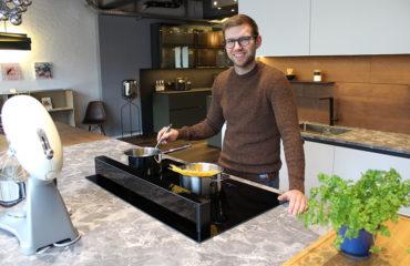 Gut gelaunt Pasta kochen – in der EWE50 klappt das! Foto: Studio187